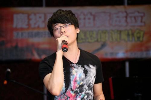 Danniew Xuanxin Li法拉盛网好声音感恩节演唱会2013