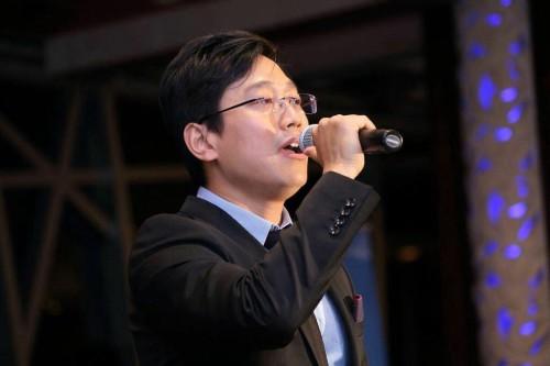 Will Wei 法拉盛网好声音感恩节演唱会2013主持人