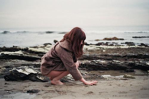或许成熟就是再也没有勇气去不管不顾,倾尽所有的爱一个人了吧?