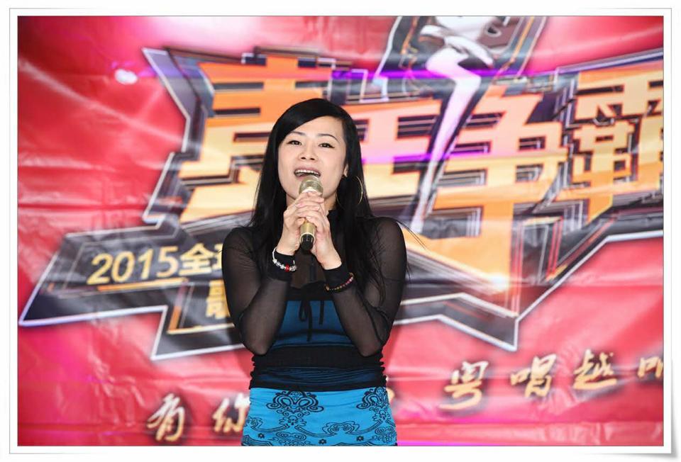 麦王争霸纽约海选总决赛歌手黃曼華