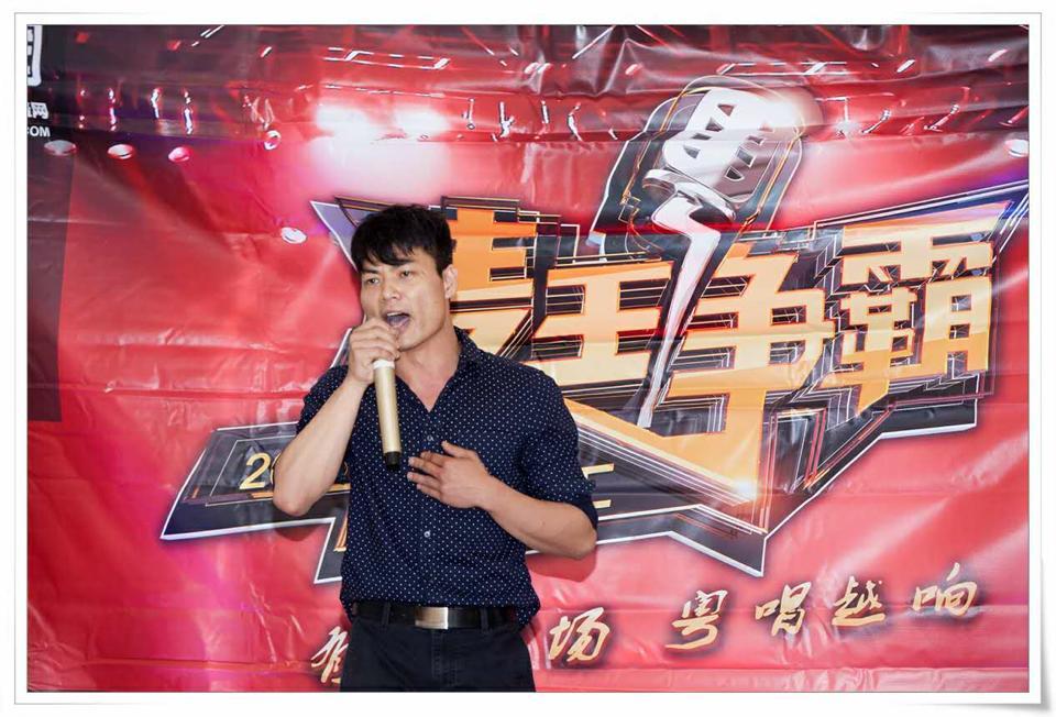 麦王争霸纽约海选总决赛歌手吴泳龙