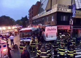 法拉盛发生严重交通事故 3⃣️死 纽约市长马上赶到现场