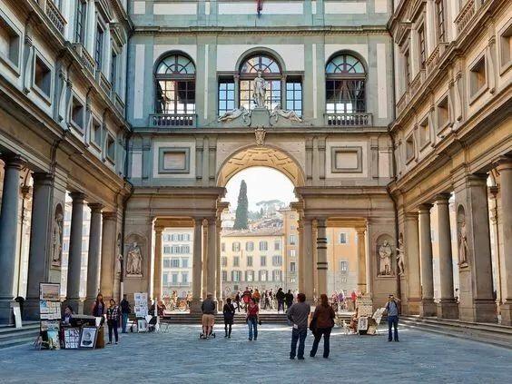 达·芬奇《救世主》以4⃣️亿美元落槌 打破艺术品成交价格世界记录