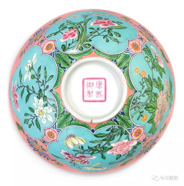 瓷器之王 康熙珐琅彩碗2.39亿港元成交